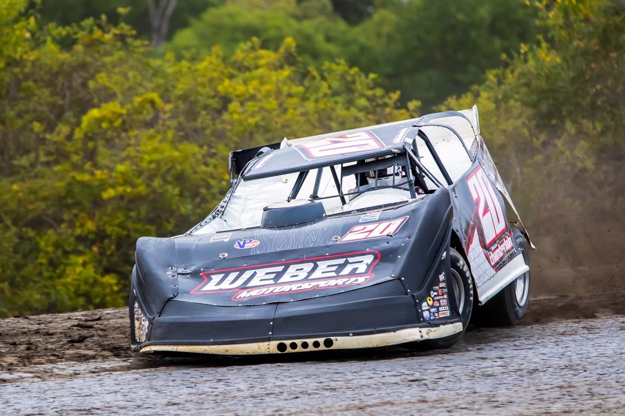 Chamberlain Nabs Late Model Victory While Bryant Tops The